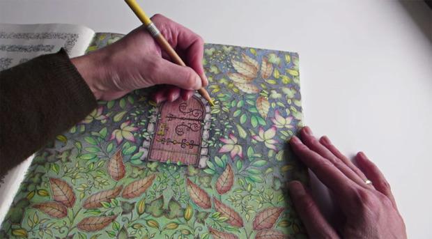 carti de colorat pentru adulti